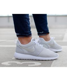 info for 76a7e 8b9c3 Nike Roshe Roshe Run White Metallic Platinum Womens Trainers. BlancChaussureNike  Roshe ExécutéAdidas ...
