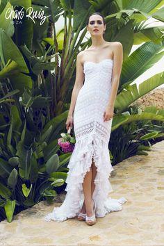 Brilla llena de elegancia y sensualidad en tu gran día con la colección Bride light de Novias by Charo Ruiz   Ref. 00335VESTIDO CHARISSE  www.charoruiz.com