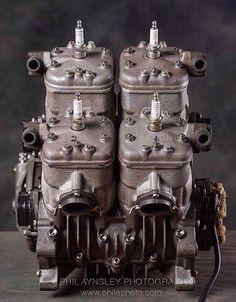 Suzuki RGV 500.Classic Motorcycles Art&Design @classic_car_art #ClassicCarArtDesign