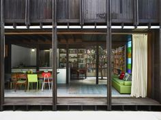 House connected with the exterior: Gallery of Raven Street House / James Russell Architect - 14