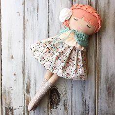 Oh, you lovely, lovely girl  Love this one.  She has already sold but Happy Friday, friends!  #strawberryblonde #helloolliecollection #spuncandydolls #comingsoon #clothdollartist #heirloomdoll