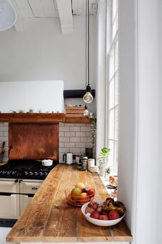 Home Interior Inspiration .Home Interior Inspiration White Kitchen Worktop, Cheap Houses, Southern Homes, Cuisines Design, Cheap Home Decor, Home Decor Accessories, Home Accents, Entryway Decor, Home Remodeling