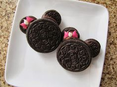 Adventures in Food: Minnie Mouse Oreo Cookie Heads