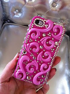 I should def. decorate a phone case for myself.