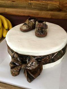 Camo baby shower cake!