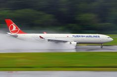 Turkish Airlines Under Full Reverse Thrust Jets, Reverse Thrust, Onur Air, Istanbul Airport, Emirates Airline, Turkish Airlines, Aircraft Engine, Civil Aviation, Commercial Aircraft