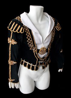 about 1977 Prince Siegfried jacket from Act II of Swan Lake. Photo by Setareh Sarmadi. Nutcracker Costumes, Ballet Costumes, Dance Costumes, Baby Costumes, Ballet Boys, Ballet Tutu, Swan Lake Costumes, Swan Lake Ballet, Medieval Clothing