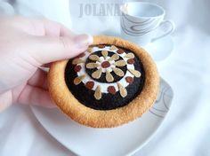 Chodský koláč Hračka do dětské kuchyňky či obchůdku. Průměr koláče - 9 cm. Cena za 1 kus.  Výhradním majetkem- nelze kopírovat!