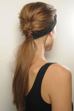 Start of French braid then fastened into low ponytail. | Tresses modèles | en.vogue.fr