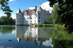 Schloß Glücksburg is the seat of the House of Schleswig-Holstein-Sonderburg-Glücksburg and was also used by the Danish kings. Situated on the Flensburg Fjord, the castle is now a museum and is no longer inhabited by the Ducal family.