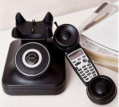 The most interesting thing about the telefone is it is CORDLESS.
