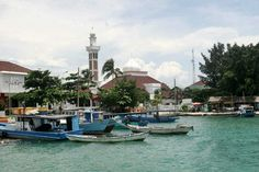Pulau PramukaIsland is a County Government Administrative Center and the Kepulauan SeribuIslands. Scout Island offers natural beauty that became one of the mainstays of tourism. The trip to Pula…