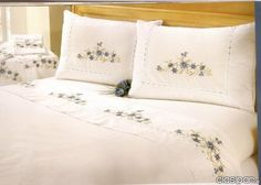 Dibujos para bordar sabanas de - Imagui Bed Sheet Curtains, Bed Sheets, Pillow Covers, Bed Pillows, Furniture, Embroidery, Home Decor, Google, Flower