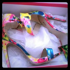 JusFab high heel Sandals Loud colorful high sandal Never Wore at all ! JustFab Shoes Sandals