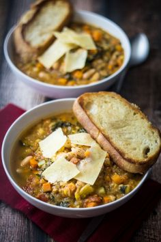 Easy Tuscan Bean Soup (30 Minute Mondays!)