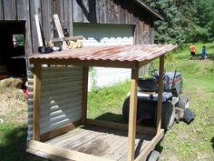 Mobile goat-shed  - it would be better if 2 sides had walls with both not quite reaching the roof for cross ventilation #goatvet