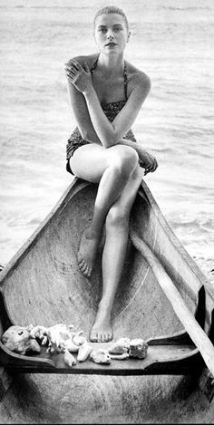 Grace Kelley- beautiful, classy, shapely. Why aren't women like this style icons anymore?  She looks like a beautiful woman, not a pre-pubescent boy. Just sayin...