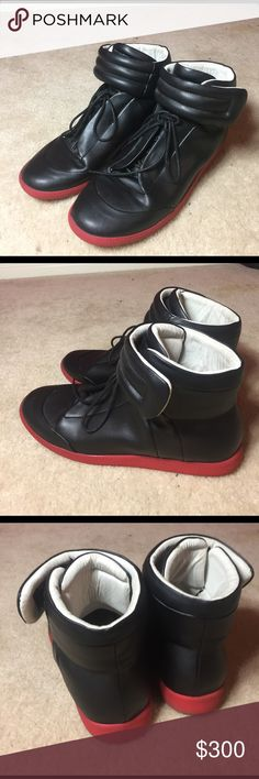 Maison Martin Margiela Shoes UA Only worn a few times, great condition!👍The soles on the inside are just a little loose but nothing major! These are high quality shoes. Will take reasonable offers only. Maison Martin Margiela Shoes Sneakers