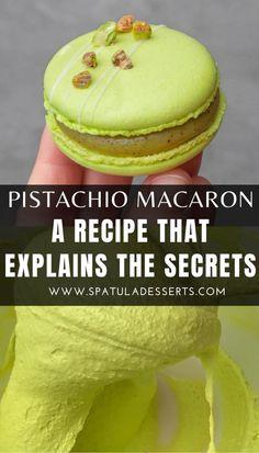 Pastry Recipes, Dessert Recipes, Cooking Recipes, Pistachio Macaron Recipe, Macaron Filling, French Patisserie, French Macaroons, Recipe Steps, French Pastries