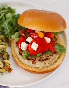 Greek Chicken Burgers are light, healthy and packed with your favorite Greek flavors. Al fresco chicken burgers are grilled and topped with a mixture of feta cheese, roasted red peppers, kalamata olives and arugula. You will love this easy meal on those busy nights! // acedarspoon.com #ad #alfrescoambassador #burgers #chickenburgers Quick Family Meals, Easy Meals, Grilling Recipes, Cooking Recipes, Burger Recipes, Crockpot Recipes, Low Calorie Recipes, Healthy Dinner Recipes, Greek Chicken
