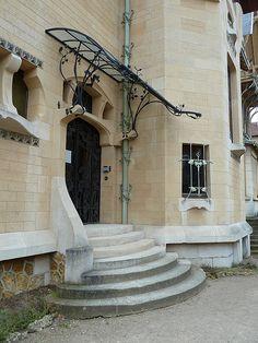 Villa Majorelle (or Villa Jika) Art Nouveau Architecture, Art And Architecture, Architecture Details, Marquise, Metal Bending, Victorian Life, Garden Canopy, Door Canopy, Glass Front Door