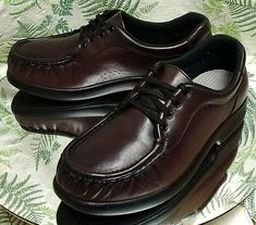 53998206b289 SAS BURGUNDY LEATHER OXFORDS SNEAKERS WALKING COMFORT WORK SHOES WOMENS SZ  9 M  SAS