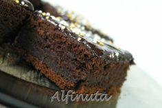 negresa, cu blat compact, de tip brownies, si cu o aroma intensa de ciocolata. Pentru blat: 100 g unt 200 g (...
