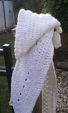 Ravelry: Heidi's hooded scarf pattern by Heidi Yates