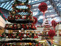 christmas trees in shopping malls - Google претрага
