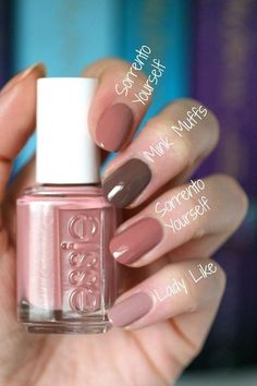 Essie nail polish in colour sorrento yourself, a lovely warm nude pink, almost mauve. Cute Nails, Pretty Nails, Diy Nails, Glitter Nails, Essie Nail Colors, Nail Polishes, Manicure And Pedicure, Mani Pedi, Natural Nails