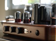 Tektron integrated amplifier that uses 45 or 2A3 tubes