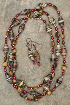 Tiger Eye, Paper Beads and Winter Berries Long Necklace and Earrings Set - Tiger… Make Paper Beads, Paper Bead Jewelry, Paper Earrings, Fabric Jewelry, How To Make Beads, Boho Jewelry, Jewelry Crafts, Beaded Jewelry, Beaded Necklace