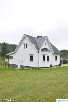 vitt hus,nymålat hus,nymålat vitt hus,ommålat vitt Shed, Outdoor Structures, House, Lean To Shed, Home, Haus, Coops, Houses, Barns