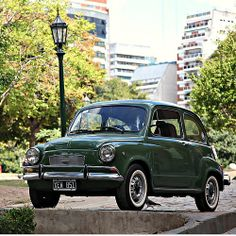 Fiat 600 in San Martín Square (Fiat 600 in Plaza San Martín) | CABA | Argentina - Francisco Aragao