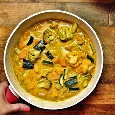 Csípős indonéz zöldséges curry, Bede Anna: Vegasztrománia