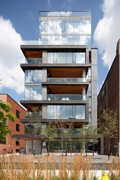 The 17-unit, ten-storey residential condominium at Five Hundred Wellington offered a unique opportunity to reflect on the role of the individual private res...