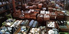 Japanese Warehouse Hosts Treasure Hunt Through Thousands of Traditional Ceramic Art Pieces - My Modern Met