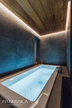 Katto lämpöhaapaa. Bathtub, Bathroom, Standing Bath, Washroom, Bath Tub, Bath Room, Tubs, Bathrooms, Bathtubs