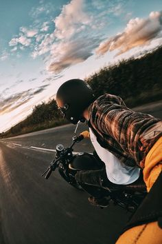 gopro: Photo of the Day: Easy living on the English countryside. chases the fading sun with . Harley Davidson, Royal Enfield Wallpapers, Bullet Bike Royal Enfield, Bike Photoshoot, Motorcycle Photography, Cafe Racer Bikes, Moto Bike, Motorcycle Style, Biker Girl