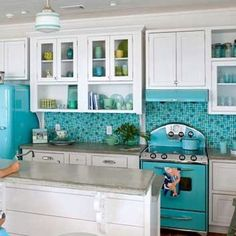 Serenity retro kitchen:Wonderful Retro Kitchen On Skyblue Color Designs Top Class Retro Kitchen by lissandra.villano
