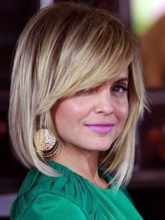 13.Hairstyle-with-Side-Swept-Bangs.jpg 500×667 pixels