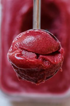 Your favorite recipe source for healthy food [Paleo, Vegan, Gluten free] Ice Cream Desserts, Frozen Desserts, Ice Cream Recipes, Frozen Treats, Just Desserts, Delicious Desserts, Healthier Desserts, Cherry Sorbet Recipes, Cherry Recipes Healthy
