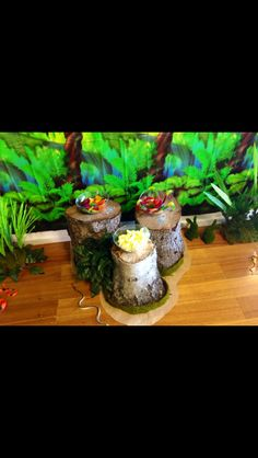 Jungle themed log tables