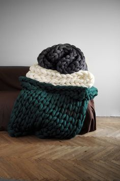 Ohhio. Super chunky knits. on Behance