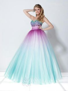 Love the colors in this prom dress