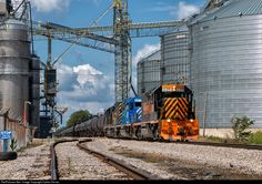 WLE 6315 leads a unit tanker train through the massive Sunrise CO-OP elevator complex near Clarksfield, OH. Sometimes an industrious look can be beautiful too!