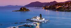 Iti doresti o vacanta in Corfu, dar nu stii de unde sa incepi? Aici iti oferim un ghid cu toate informatiile prezentate pe scurt pentru a-ti... Corfu Island, Charter Boat, Boat Rental, Small Island, Greece Travel, Beautiful Islands, Greek Islands, Old Town, Places To See