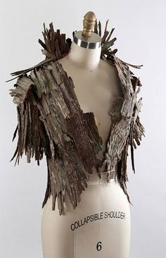 Creative Halloween Costumes - The Best Way To Be Artistic Over A Budget Tree Bark Jacket Larp, Fashion Art, Fashion Show, Fashion Design, Body Adornment, Midsummer Nights Dream, Fantasy Costumes, Tree Bark, Arte Floral