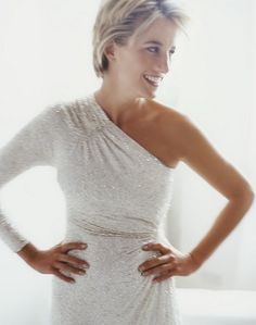 Princess Diana 1997 by Mario Testino. Gown is of draped cream silk chiffon by Hachi, embroidered with translucent gold glass beads and crystals.