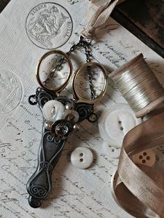 With thy Needle & Thread: Are you scissor crazy?????????????